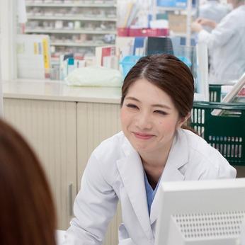 やりがいを持って働く主婦さんが多数活躍中の職場です。薬学生も活躍中!薬剤師をサポートする業務です